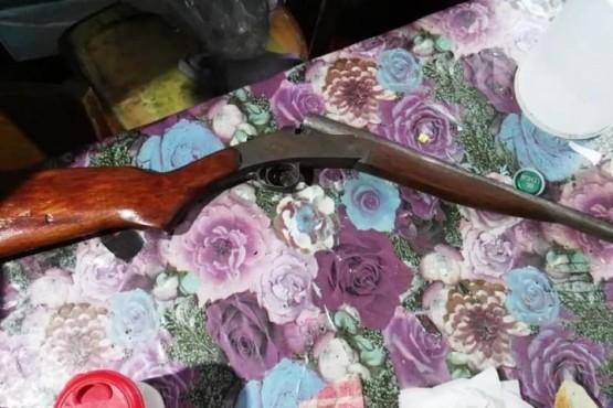 Tres allanamientos por amenaza con arma de fuego