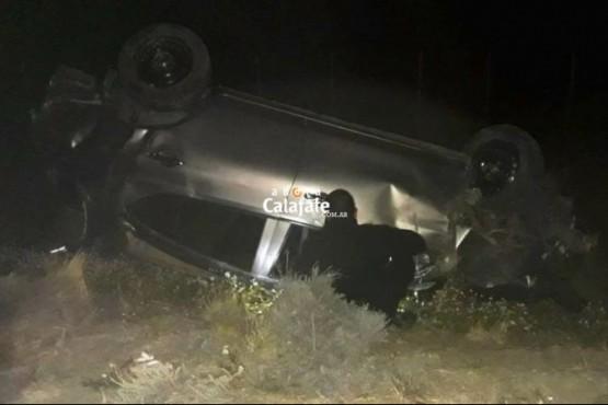 Turistas volcaron cerca de El Chaltén tras intentar esquivar un guanaco
