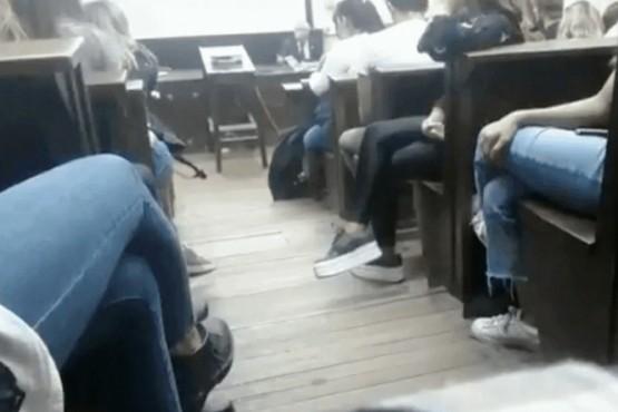 Una alumna de la UBA interrumpió una clase para denunciar a un profesor por acoso