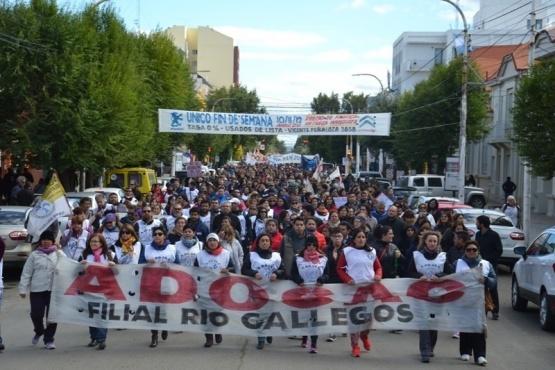 ADOSAC denunció que separaron del cargo a dos docentes por reclamar