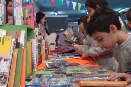 En la última edición participaron cerca de sesenta mil lectores en Santa Cruz.