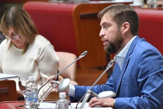 Interpelarán a dos ministros por el mal estado de las escuelas