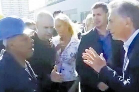 El obrero que increpó a Macri contó la visita de funcionarios