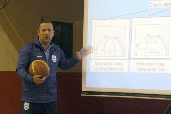 El entrenador nacional Juan Gatti en Río Grande