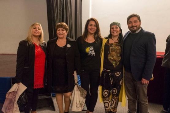 Marcela Rivero reconocida por el día del Bailarín Folclórico