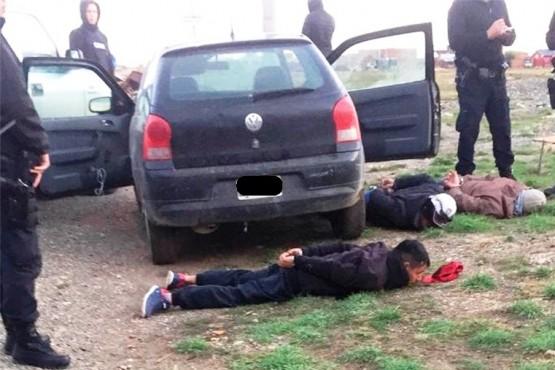 Tres detenidos por droga y una mujer por daños a un patrullero