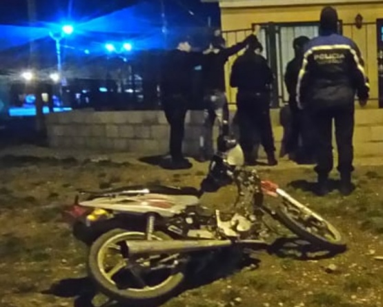 Aprehendieron a dos hermanos por el robo de una moto