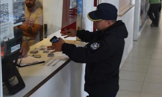 Demoran a empleados de Andesmar tras allanarse oficina por estafas