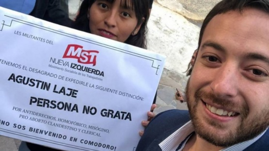 "Agustín Laje alentó la marcha ""Pro vida"" en Comodoro Rivadavia"