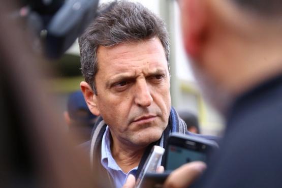 Sergio Massa habló con la prensa tras la ceremonia en el Salesiano. (C.G)