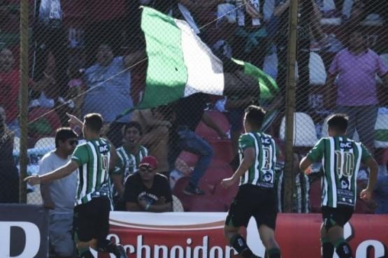 Villa Mitre dio el golpe y eliminó a Newell's de la Copa Argentina