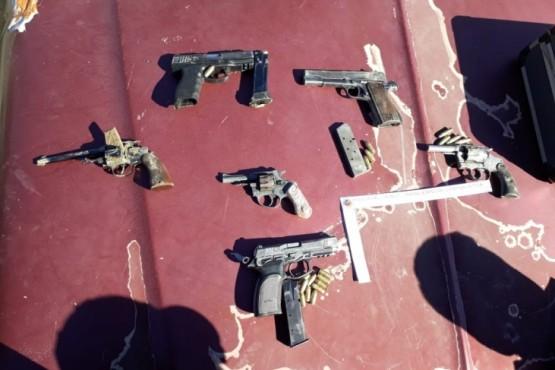 Secuestran seis armas en allanamientos por el homicidio de Quevedo