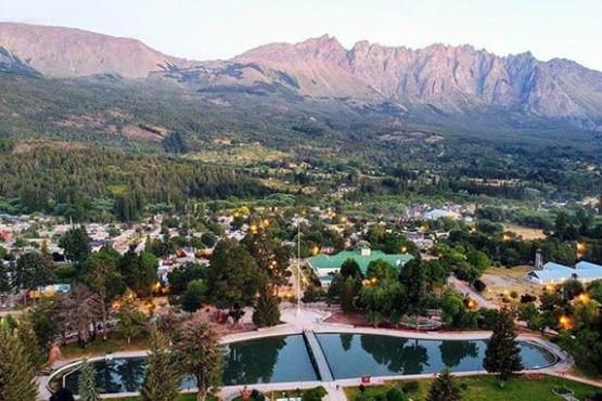 """Advierten que varios comercios de la Comarca Andina """"no van a pasar el invierno"""""""
