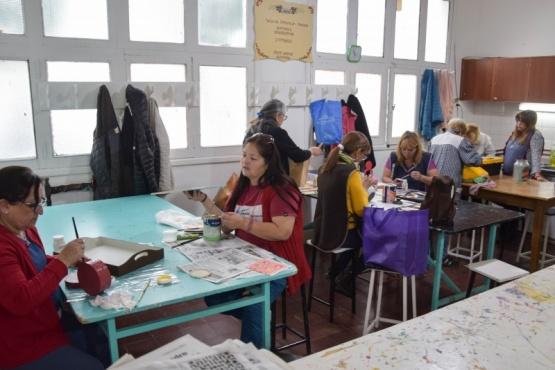 Talleres para niños y adultos en el Centro Cultural Ravallo