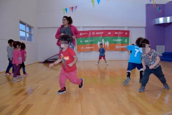 Comenzaron las clases de iniciación deportiva para niños