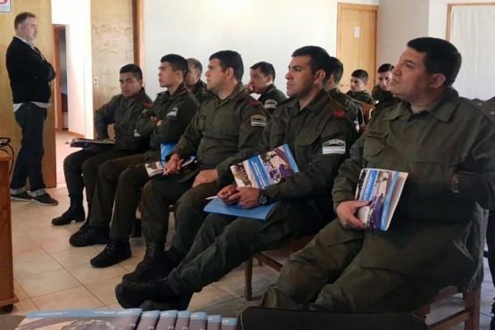 Capacitaron a gendarmes que fiscalizan los pasos fronterizos con Chile