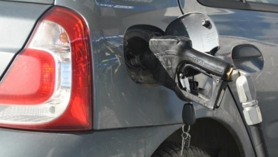 YPF también aumentará el precio de la nafta