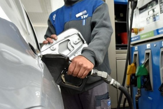 YPF aumentó sus naftas un 4,5% y la súper se fue a $40,43 el litro