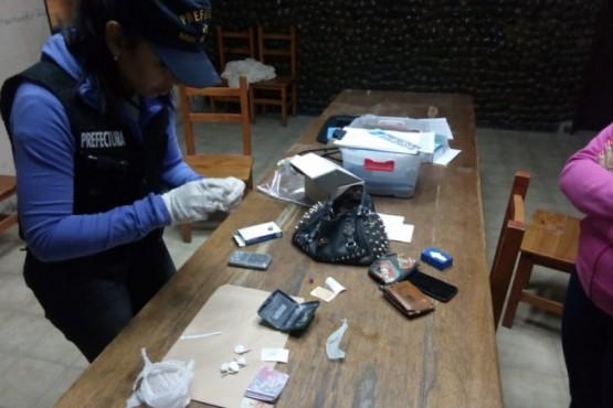 Detuvieron a una dealer e incautaron cocaína y marihuana