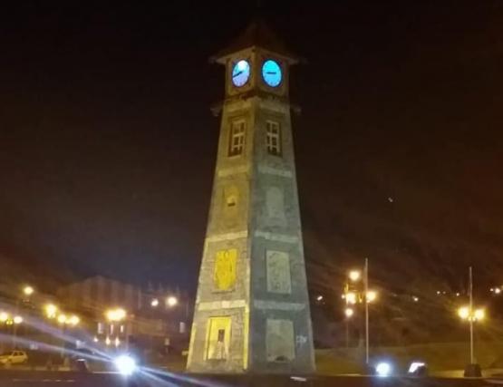 Hablemos de autismo: La plaza de Río Turbio se pintó de azul
