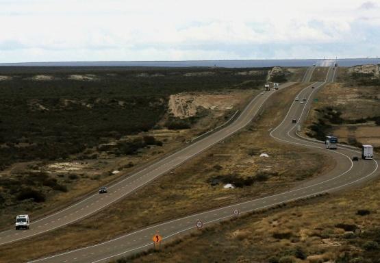 Paro en la doble vía Trelew-Madryn por despido de trabajadores