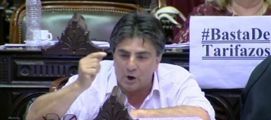 Vázquez fustigó a Reyes por no acompañar el freno a la suba de tarifas