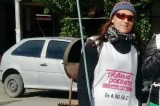 El docente Carlos Fuentealba también es bandera en Santa Cruz