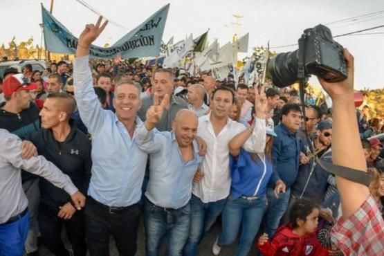 Maderna cerró la campaña en Trelew con acto y caminata junto a Arcioni y Sastre
