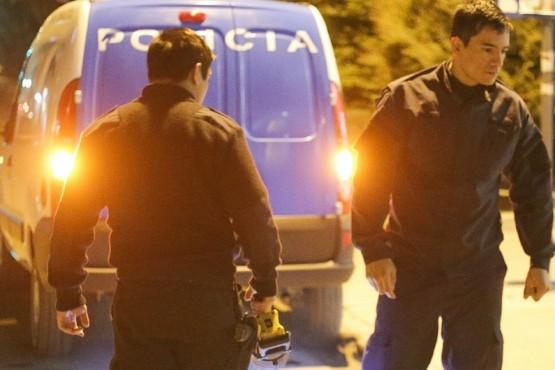 Investigan el robo de 14 ventanas en un barrio construido por el IDUV