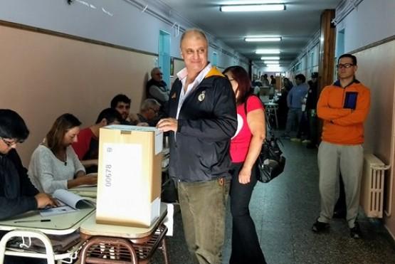 Votó un precandidato a intendente de Esquel con