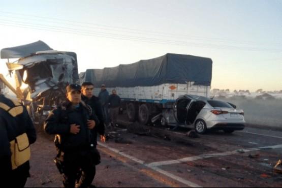 Terrible choque en cadena entre ocho vehículos dejó dos personas muertas