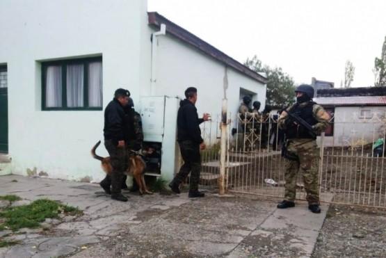 Secuestraron el arma con la que el prófugo habría disparado a la policía