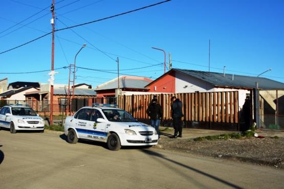 Allanan la casa del sospechoso que asaltó a un anciano en su domicilio