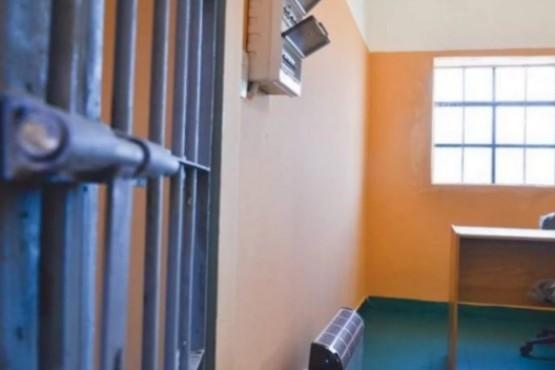 Se pelearon dos presos en la Alcaidía y uno terminó en el Hospital