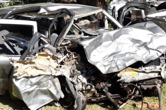 Ocho personas murieron tras un choque entre dos autos