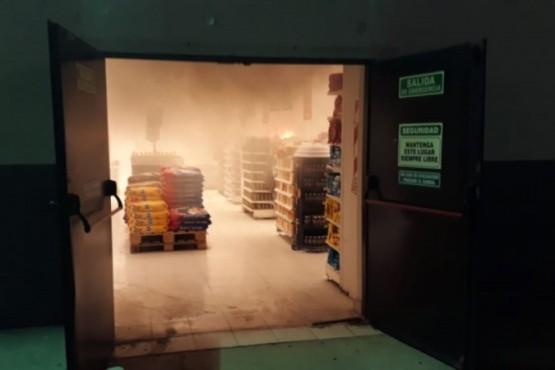 Un incendio causó alarma en un supermercado