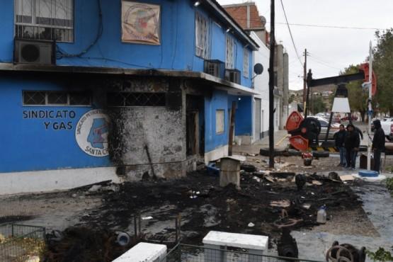 Incendio marcó el fin de un campamento de desocupados