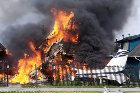 Una avioneta cayó sobre una casa en Puerto Montt y hay seis muertos