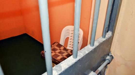 Preso por violar, abusó de su hija dentro de la cárcel