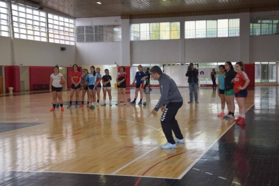 Jornada de captación de talentos para handball femenino