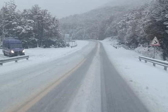 Por las intensas nevadas recomiendan circular con precaución