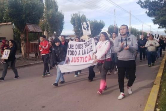 Marcharon en reclamo de justicia por la muerte de la novia del policía