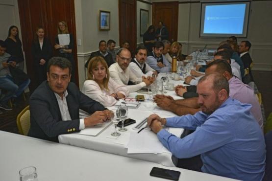 Mirvois pidió responsabilidad y solidaridad a los intendentes de la provincia