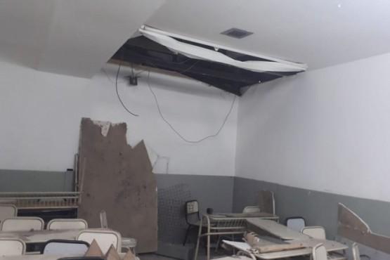Se cayó un pedazo de durlock en un aula del Industrial N°6