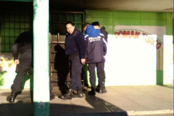 Intentaron prender fuego un mercado en Caleta Olivia