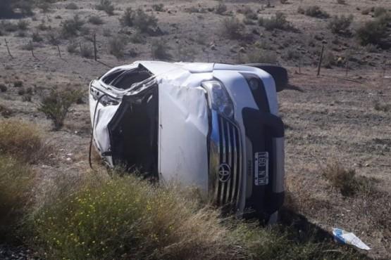 Falleció un hombre tras volcar en la Ruta 25