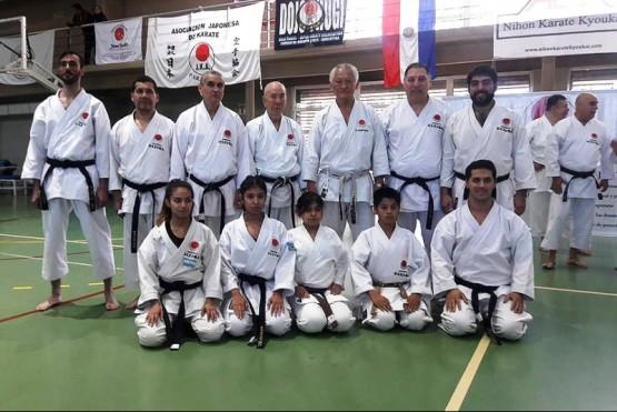 Hubo capacitación y selectivo para el karate