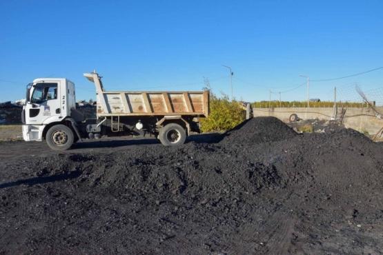 Nuevo cargamento de carbón para vecinos de barrios periféricos