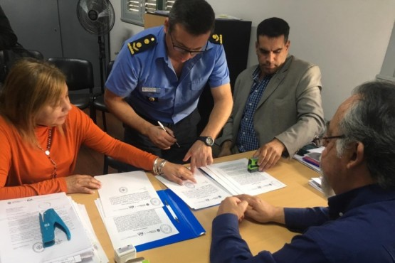 Firmaron comodato de viviendas recuperadas para la Policía