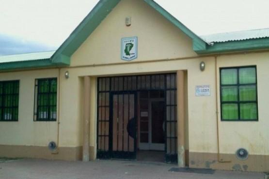 Tres menores entraron a robar a un colegio y fueron demorados